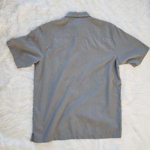 Quiksilver Shirts - Quicksilver men's relaxed fit short sleeved Shirt.